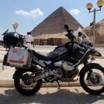 F7_Ispred Egipatskih piramida