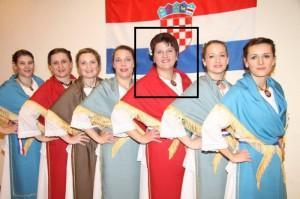 Monika Adzamic_u sredini