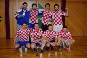 Feniks_Pobjednici u kategoriji aktivnih momcad Croatia Balgach sa pokalima