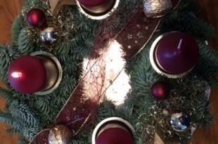Danas se pali prva adventska svijeća