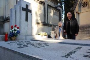 Posljednja snimka Višnje Pavelić kod obiteljske grobnice Pavelićevih u Madridu  Foto:Fenix magazin