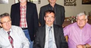 Stjepan Domaćinović u sredini