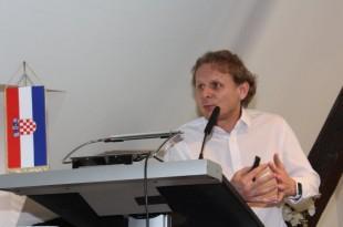Dr. Ivan Đikić / Foto: Fenix