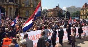 Najveći broj prosvjednika koji su tražili promjenu imena Trga