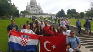 Hrvati iz Hagena sa Turcima u Parizu. Danas prijatelji, sutra protivnici na terenu!
