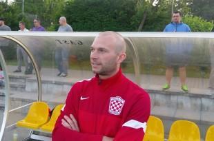 Zbog ozljeda i nedostatka igrača , zadnjih deset minuta za Croatiju je morao igrati i trener Andreas Schäfer / Foto: Fenix Magazin