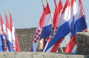 zastave u Kninu