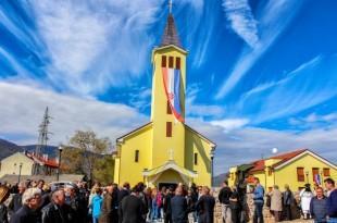 Donji Lapac Crkva