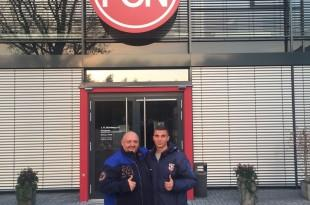Stipe Jurić sa menadžerom Stefanom Spiessl  ispred Akademije 1.FC Nürnberg