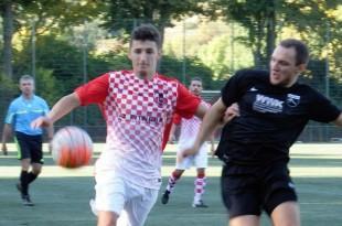 Igrač Croatije Leon Kraguljevac u napadu