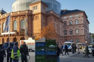 Policija  Mainzu organizirala susret dvojice muškaraca  i priznala kako je rijetkost da netko vrati pronađeni novac