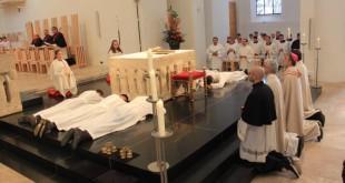 Polaganje zavjeta pred oltarom Foto:Fenix-magazin