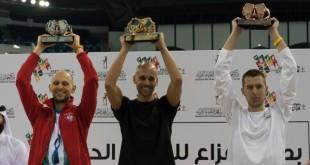 Goran Čolak (u sredini) na pobjedničkom postolju u Dubaiju