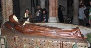 Crkva Marijina usnuća sa Gospinim kipom - Nakon usnuća, tijelo Blažene Djevice Marije su prenijeli u crkvu Marijina groba pokraj Getsemanskog vrta gdje je onda uzašla na nebo / Foto:Fenix Magazin