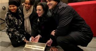 """U povodu obilježavanja 50. godišnjice od njezina prvog izdanja, Muzej Louis Armstrong House Museum u Queensu u New Yorku organizirao je izložbu """"50 godina pjesme 'What a Wonderful World'"""""""