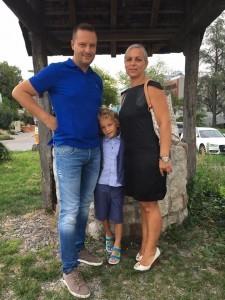 Martina sa suprugom i sinom