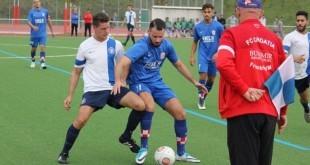 Napadač Croatije Filip Lovrić u borbi za loptu / Foto:Fenix Magazin