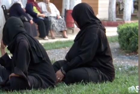Muslimanka koja se odbila rukovati dobila sudski spor u Švedskoj /Foto: Screenshot/ilustracija
