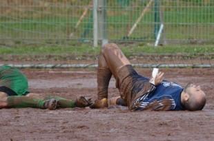 Ovakve scene nisu više prihvatljive na terenima u Frankfurtu / Foto: Fenix Magazin (Detalj s utakmice Cro Sokola Aachen)