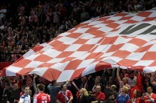 Hrvatska navijačka zastava / Foto:Hina
