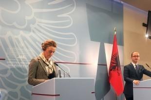 Pejèinoviæ Buriæ u službenom posjetu Albaniji