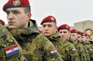 Pauci na postrojavanju / Foto: Arhiv IV Gardijske brigade HV