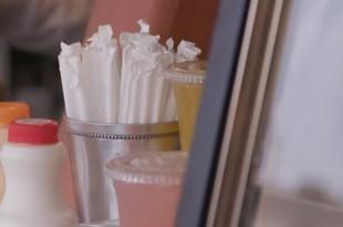 Njemački koncern Rewe povlači plastične slamke iz maloprodaje . Foto: Screenshot/Youtube/Ilustracija