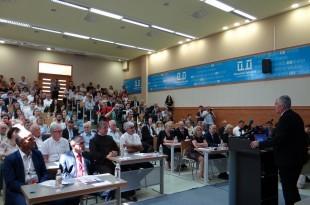 Na konferenciji upozoreno kako u BiH živi manje od 3 milijuna stanovnika iako je posljednjim popisom zabilježeno 3,7 milijuna stanovnika. Foto: HDZ BiH
