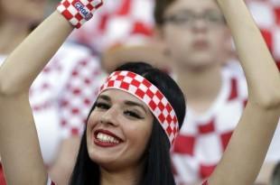 Lijepa Hrvatica širi ljubav na Mundijalu / Foto: Tanjug