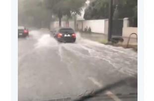 Za nekoliko minuta palo je više od 40 litara kiše po kvadratnom metru. Foto: Screenshot/Faz
