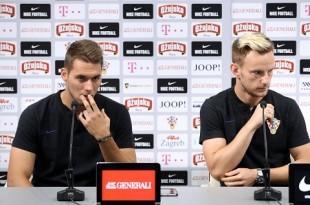 Marko Pjaca i Ivan Rakitić.  Foto: HINA