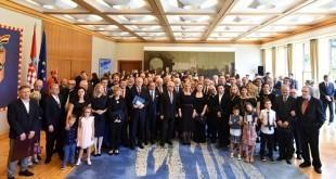 SVi odlikovani s Predsjednicom 18. VI. 2018.Ured predsjednice RH