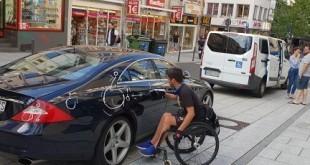 Vozač je parkirao na mjesto označeno za parkiranje vozila osoba s invaliditetom  Foto: Marko Kopić