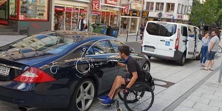Zabranom o vožnji dizelaša bit će pogođeni i brojni invalidi   / Foto ilustracija: Marko Kopić