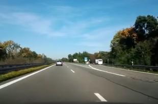 Tek nakon nekoliko minuta na autocesti roditelji su otkrili da je njihova kći nestala..Foto: Screenshot/Youtube/Ilustracija