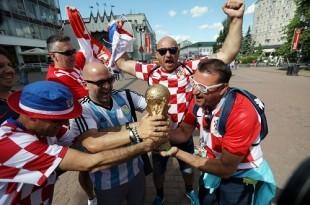 Hrvatski navijači u Rusiji. Foto: Hina