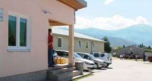 Jedan migrant izboden nožem u migrantskom centru kod Mostara. Foto: Screenshot/Youtube/Arhiv
