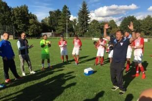 Trener Dario Lučić sa igračima BW Tomislav /Foto: FM