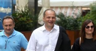 Dolazak na sjednicu Glavnog odbora SDP-a - Siniša Hajdaš Dončić / Foto: Hina