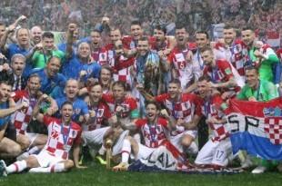 Nogometaši Hrvatske sa srebrenim medaljama / Foto: Hina