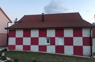 Vlasnik odlučio doslovno cijelu kuću posvetiti hrvatskoj nogometnoj vrsti/Foto: vecernji.ba