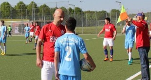 Kapetan Croatije Daniel Soldo u raspravi s igračem Blau Gelb / Foto Fenix