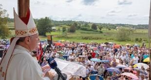 Biskup Košić u Gori/Foto: IKA