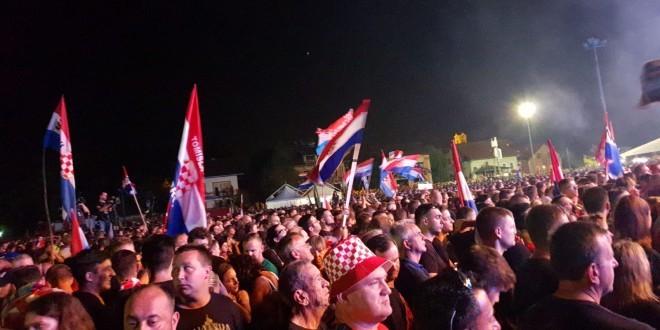 Publika na koncertu MP Thompsona u Glini / Foto: Fenix Magazin -Danijel Pleša