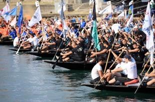 Maraton lađa na Neretvi je amatersko sportsko natjecanje u tradicionalnim lađama/Foto: Hina