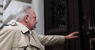 Ivo Sanader ulazi na vrata suda / Foto: Hina