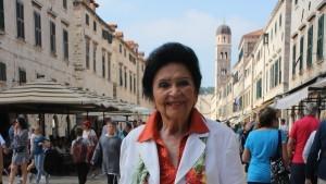 Gospođa Olga Stoss na Stradunu / Foto: Fenix