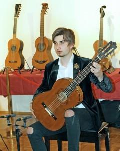 Zlatko Josip Grgić, virtuoz na gitari predstavlja zbirku oca Hrvoja