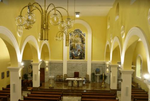 Unutrašnjost prostrane crkve sv. Ive Krstitelja u Podhumu / Foto: Selo Miši