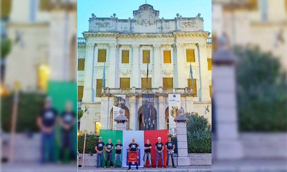 Zastava Kraljevine Italije ispred Guvernerove palače u Rijeci / Foto: Hina